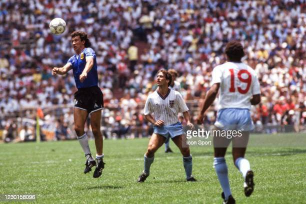 Jorge Valdano of Argentina and Kenny Sansom of England during the Quarter-Final FIFA World Cup 1986 match between Argentina and England, at Estadio...