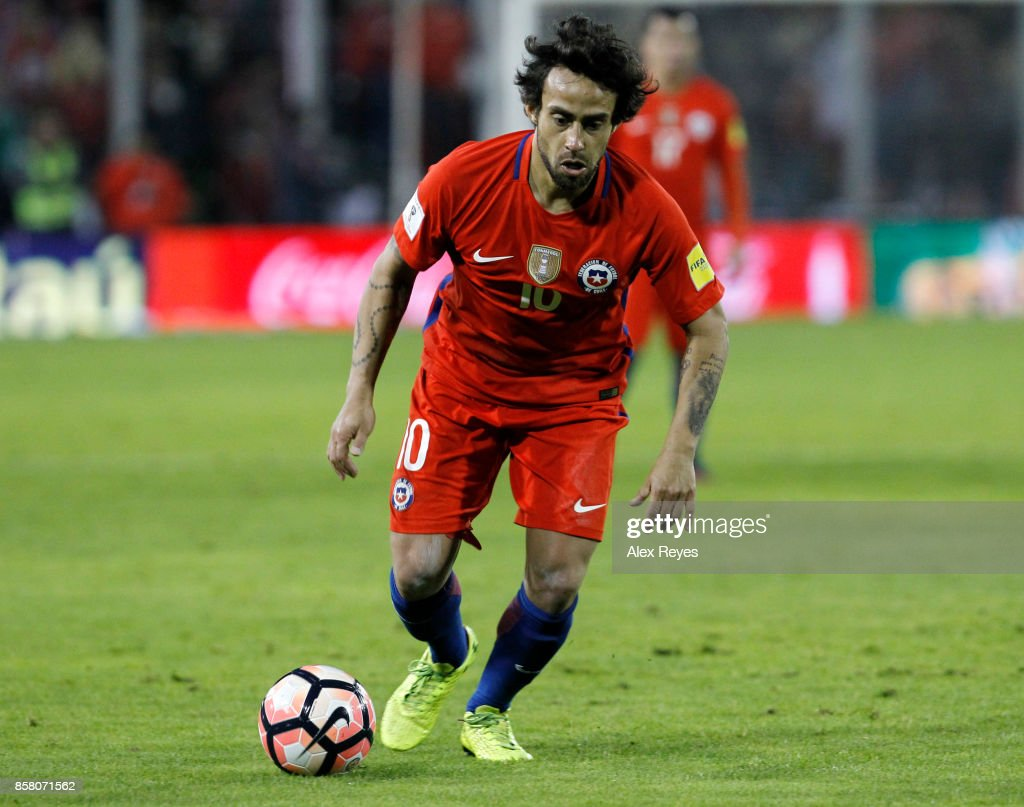 Beautiful Chile World Cup 2018 - jorge-valdivia-of-chile-controls-the-ball-during-a-match-between-and-picture-id858071562  Graphic_792768 .com/photos/jorge-valdivia-of-chile-controls-the-ball-during-a-match-between-and-picture-id858071562