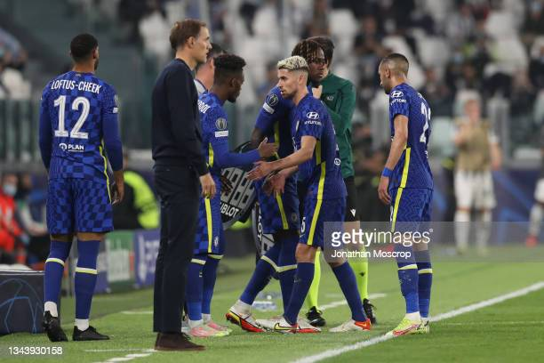 Jorginho and Hakim Ziyech of Chelsea FC are substituted for team mates Ruben Loftus-Cheek and Callum Hudson-Odoi during the UEFA Champions League...