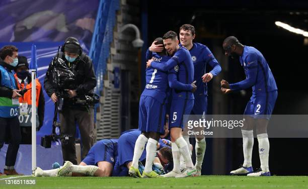 Jorginho, Ngolo Kante, Andreas Christensen and Antonio Ruediger of Chelsea celebrate after Mason Mount scored their team's second goal during the...