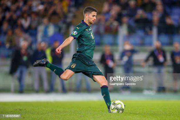 Jorginho of Italy scores a goal from the penalty spot during the UEFA Euro 2020 qualifier between Italy and Greece on October 12, 2019 in Rome, Italy.