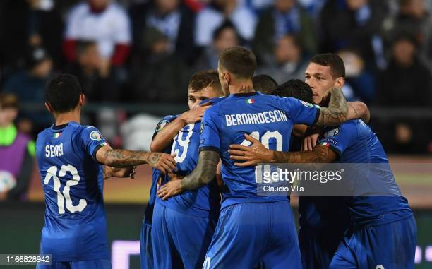 Jorginho of Italy scores the second goal during the UEFA Euro 2020 qualifier between Finland and Italy at Tampere stadium on September 8, 2019 in...