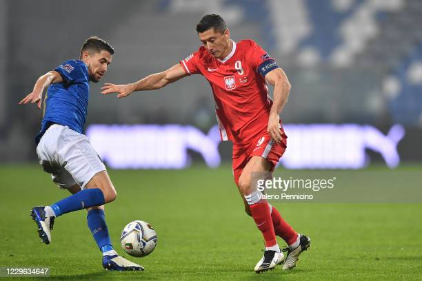 Jorginho of Italy tackles Robert Lewandowski of Poland during the UEFA Nations League group stage match between Italy and Poland at Mapei Stadium -...