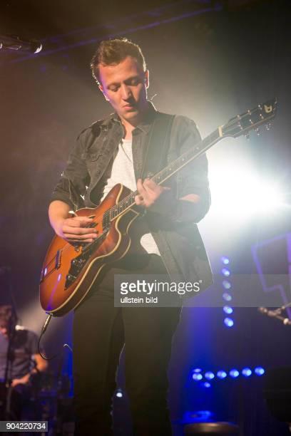 Joris Buchholz der deutsche SingerSongwriter live beim Reeperbahnfestival 2015 Konzert beim Musikfestival in den Clubs um die Hamburger Reeperbahn...