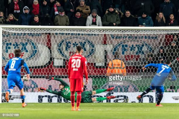 Joris van Overeem of AZ goalkeeper of FC Twente§6 Adam Maher of FC Twente Alireza Jahanbakhsh of AZ during the Dutch Eredivisie match between FC...