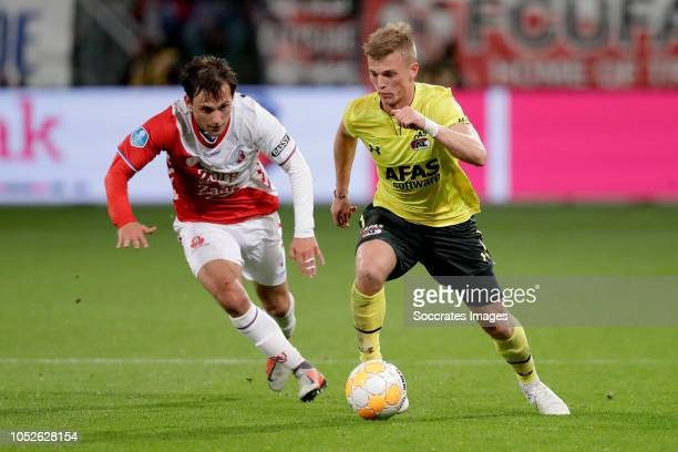 Joris van Overeem of FC Utrecht Albert Gudmundsson of AZ Alkmaar during the Dutch Eredivisie match between FC Utrecht v AZ Alkmaar at the Stadium...