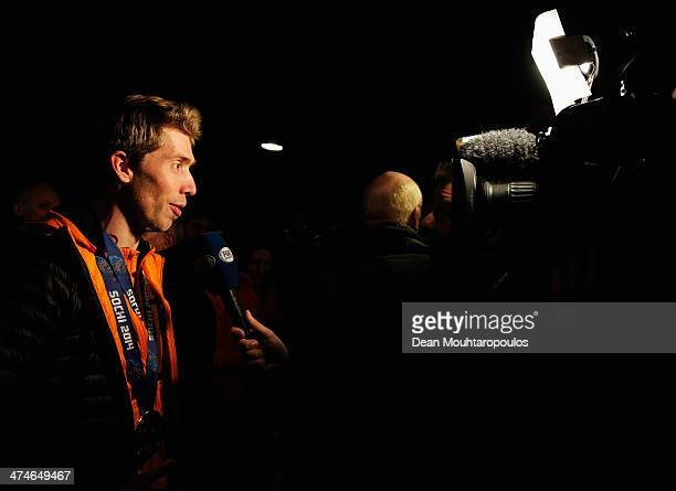 Jorrit Bergsma speaks to the media during the Welcome Home Reception Held For Dutch Winter Olympic Athletes on February 24 2014 in Assen Netherlands