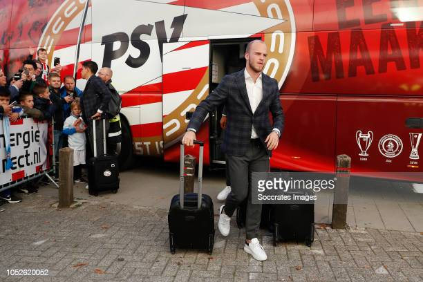 Jorrit Hendrix of PSV arrives with the players bus during the Dutch Eredivisie match between PSV v FC Emmen at the Philips Stadium on October 20 2018...