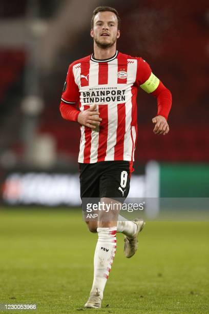 Jorrit Hendrix of PSV during the UEFA Europa League match between PSV Eindhoven and Omonoia Nicosia at the PSV stadium on December 10, 2020 in...
