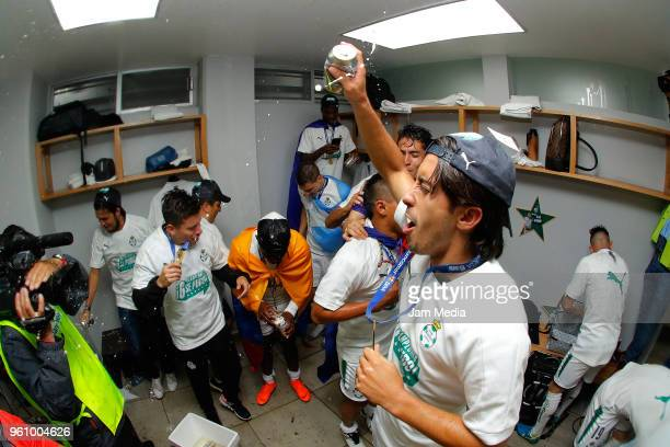 José Abella of Santos celebrates the championship with teammates after the Final second leg match between Toluca and Santos Laguna as part of the...