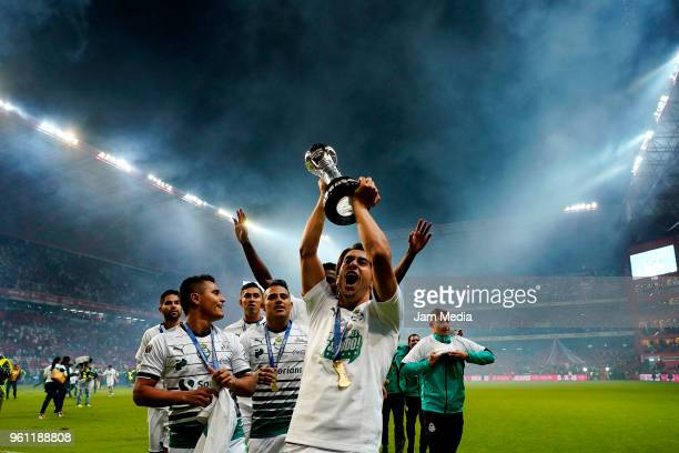 José Abella of Santos Laguna lifts the Championship Trophy after winning the Final second leg match between Toluca and Santos Laguna as part of the...