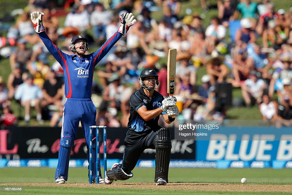 Jos Buttler of England appeals unsuccessfully for the wicket of Ross Taylor of New Zealand during the second match of the international Twenty20 series between New Zealand and England at McLean Park on February 20, 2013 in Napier, New Zealand.