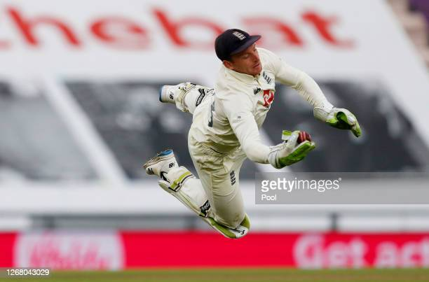 Jos Buttler of England takes the catch of Shaheen Afridi of Pakistan off Stuart Broad during Day Three of the 3rd #RaiseTheBat Test Match between...