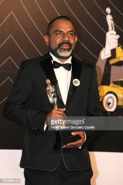 José Manuel Martínez poses with the Ariel Award for Special Effects for 'The Untamed' during 60th Ariel Awards at Palacio de Bellas Artes on June 5...