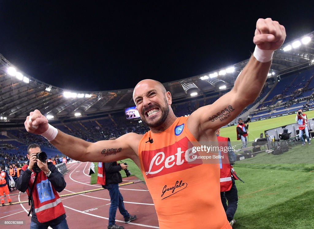 José Manuel Reina of SSC Napoli celebrates the victory after the Serie A match between SS Lazio and SSC Napoli at Stadio Olimpico on September 20, 2017 in Rome, Italy.