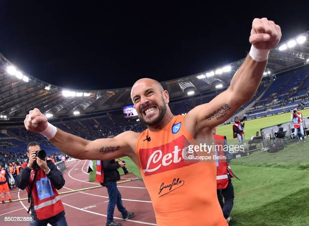 José Manuel Reina of SSC Napoli celebrates the victory after the Serie A match between SS Lazio and SSC Napoli at Stadio Olimpico on September 20...