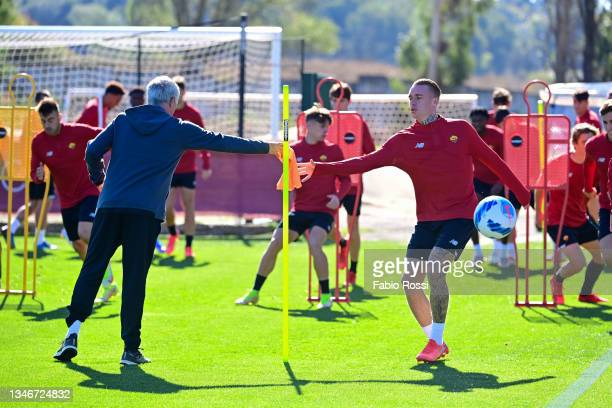 Josè Mourinho and Rick Karsdorp during a training session at Centro Sportivo Fulvio Bernardini on October 15, 2021 in Rome, Italy.