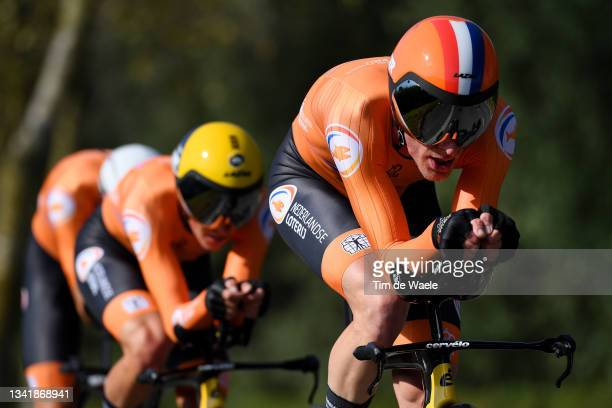 Jos Van Emden of Netherlands sprints during the 94th UCI Road World Championships 2021 - Team Time Trial Mixed Relay a 44,5km race from Knokke-Heist...