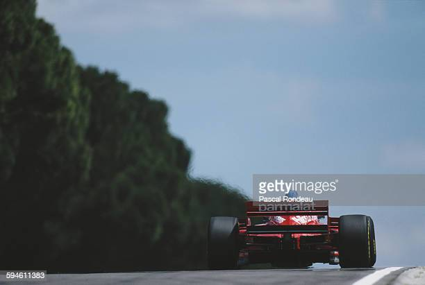 Jos Verstappen of the Netherlands drives the Footwork Hart Footwork FA17 Hart V8 during the San Marino Grand Prix on 5 May 1996 at the Autodromo Enzo...