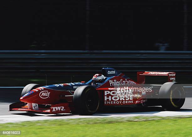 Jos Verstappen of the Netherlands drives the Footwork Hart Footwork FA17 Hart V8 during the Italian Grand Prix on 8 September 1996 at the Autodromo...
