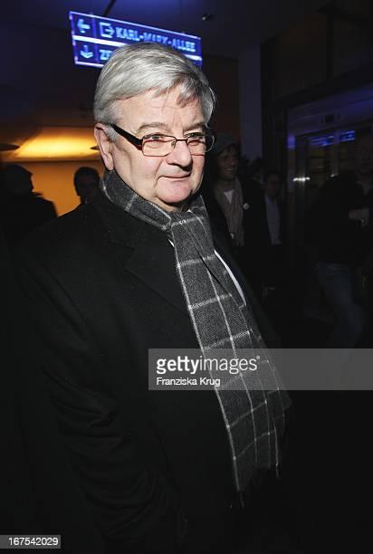 Joschka Fischer Bei Der Afterparty Zur Eröffnungsgala Der 60 Berlinale Im Moskau In Berlin