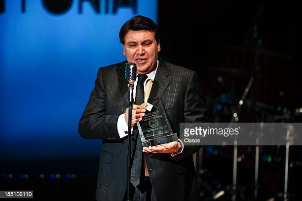 Jose Alfredo Jimenez Jr thanks during the SACM Hits Awards 2012 at the Roberto Cantoral Auditorium on October 30 2012 in Mexico City Mexico