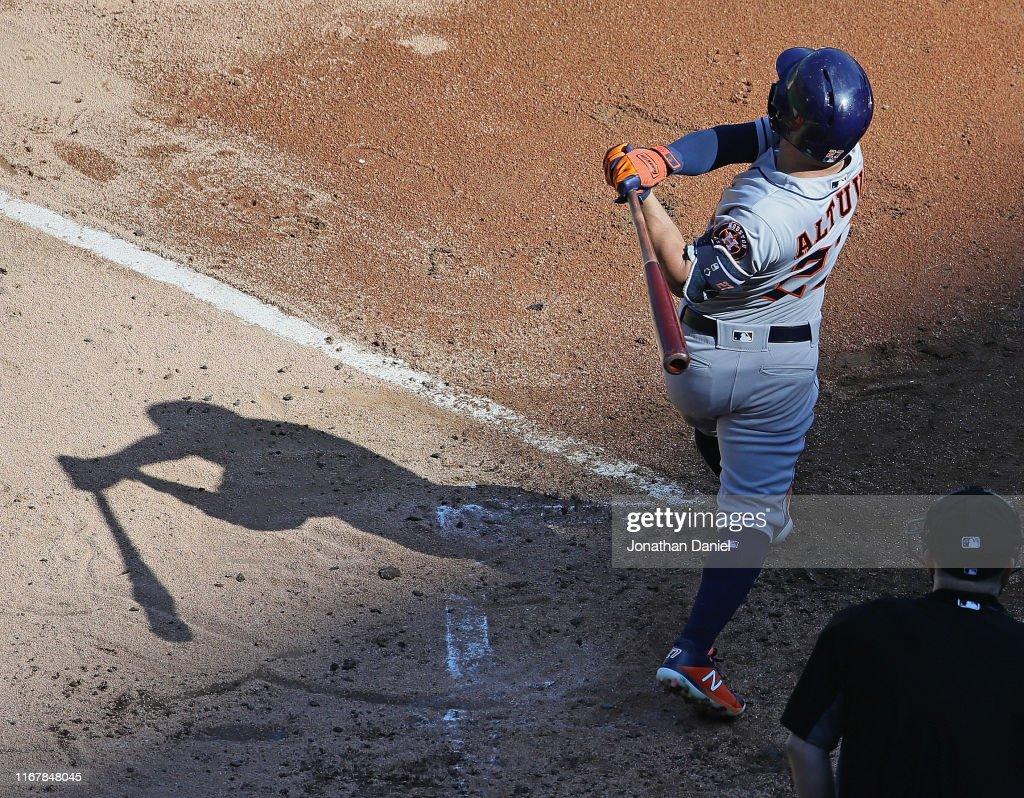 Houston Astros v Chicago White Sox - Game One : News Photo