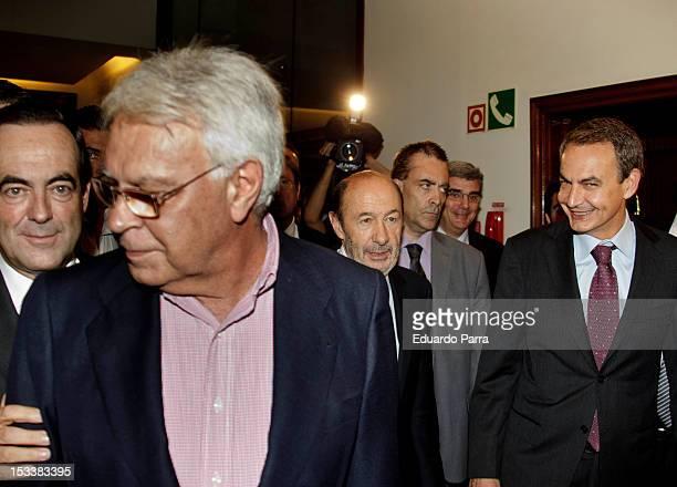 Jose Bono Felipe Gonzalez Alfredo Perez Rubalcaba and Jose Luis Rodriguez Zapatero attend the presentation of the book 'Les voy a contar' the first...
