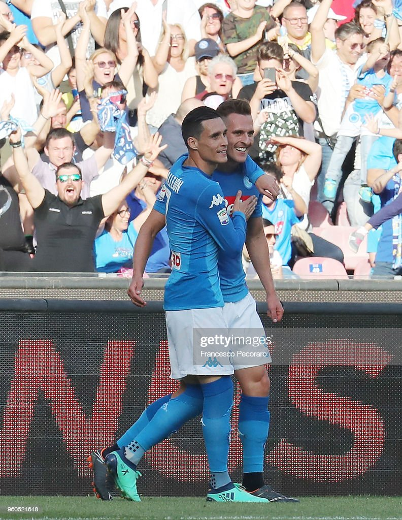Jose Callejon and Arkadiusz Milik of SSC Napoli celebrate the 1-0 goal scored by Arkadiusz Milik during the Serie A match between SSC Napoli and FC Crotone at Stadio San Paolo on May 20, 2018 in Naples, Italy.