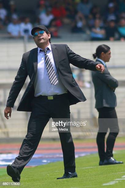 Jose Cardozo coach of Puebla reacts during the 17th round match between Pumas UNAM and Puebla as part of the Torneo Clausura 2017 Liga MX at Olimpico...