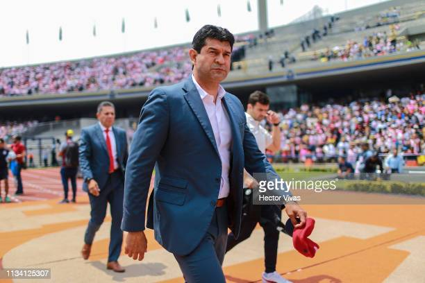 Jose Cardozo, Head Coach of Chivas enters to the field prior the 12th round match between Pumas UNAM and Chivas as part of the Torneo Clausura 2019...