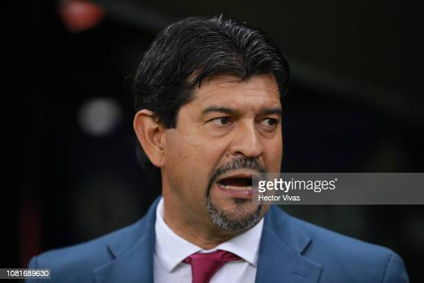Jose Cardozo, Head Coach of Chivas gestures during the 2nd round match between Cruz Azul and Chivas as part of the Torneo Clausura 2019 Liga MX at...