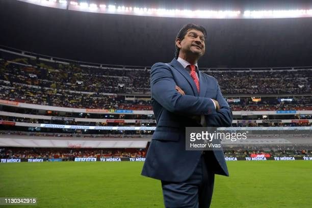Jose Cardozo, Head Coach of Chivas looks on during the quarterfinals match between America and Chivas as part of the Copa MX Clausura 2019 at Azteca...