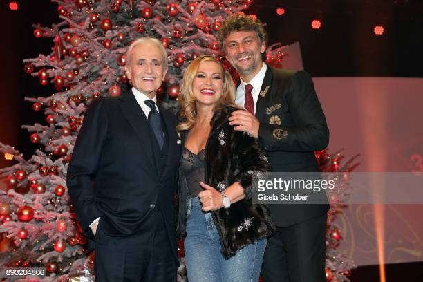 Jose Carreras Anastacia and Jona Kaufmann during the 23th annual Jose Carreras Gala at Bavaria Filmstudios on December 14 2017 in Munich Germany