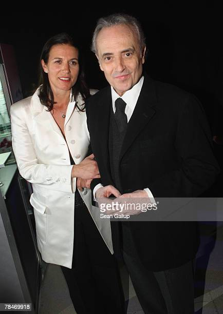Jose Carreras and his Jutta attend the afterparty to the 2007 Jose Carreras Gala December 13 2007 in Leipzig Germany The Jose Carreras Gala is an...
