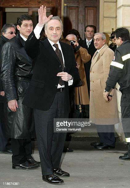 Jose Carreras during Luciano Pavarotti Marries Nicoletta Mantovani at Teatro Comunale in Modena in Modena Italy