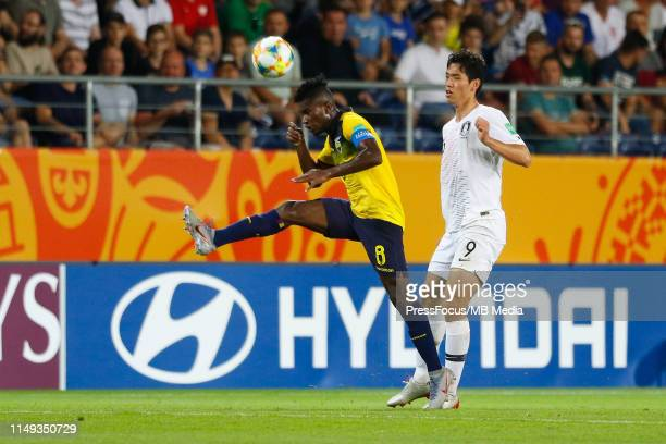 Jose Cifuentes of Ecuador competes for the ball with Oh Sehun of Korea Republic during the FIFA U20 World Cup Semi Final match between Ecuador and...