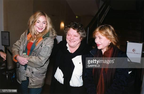 Josée Dayan entourée de Julie et Elisabeth Depardieu le 19 octobre 1999 à Paris France