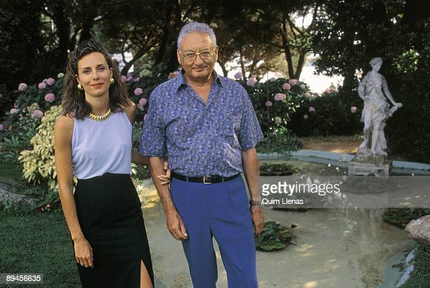 Jose Federico de Carvajal with his wife Elena Boyra On holidays in the Brave Coast