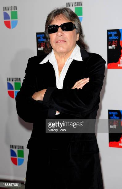 Jose Feliciano arrives at recording of Somos El Mundo 25 para Haiti We Are The World by Latin recording artits at American Airlines Arena on February...
