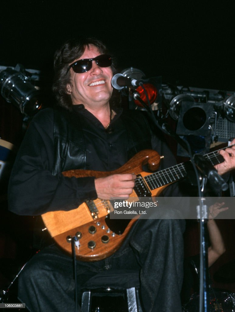 Jose Feliciano Performs at BB King's Blues Club - January 1, 2001 : News Photo