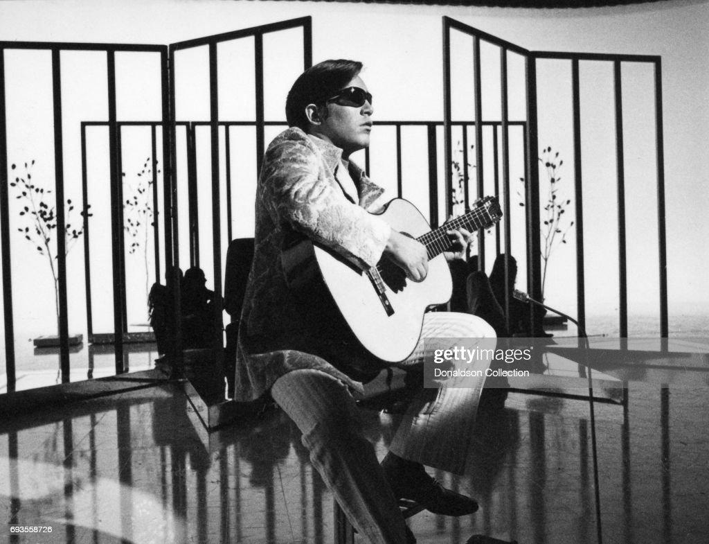 """This Is Tom Jones"" TV Show Still : News Photo"