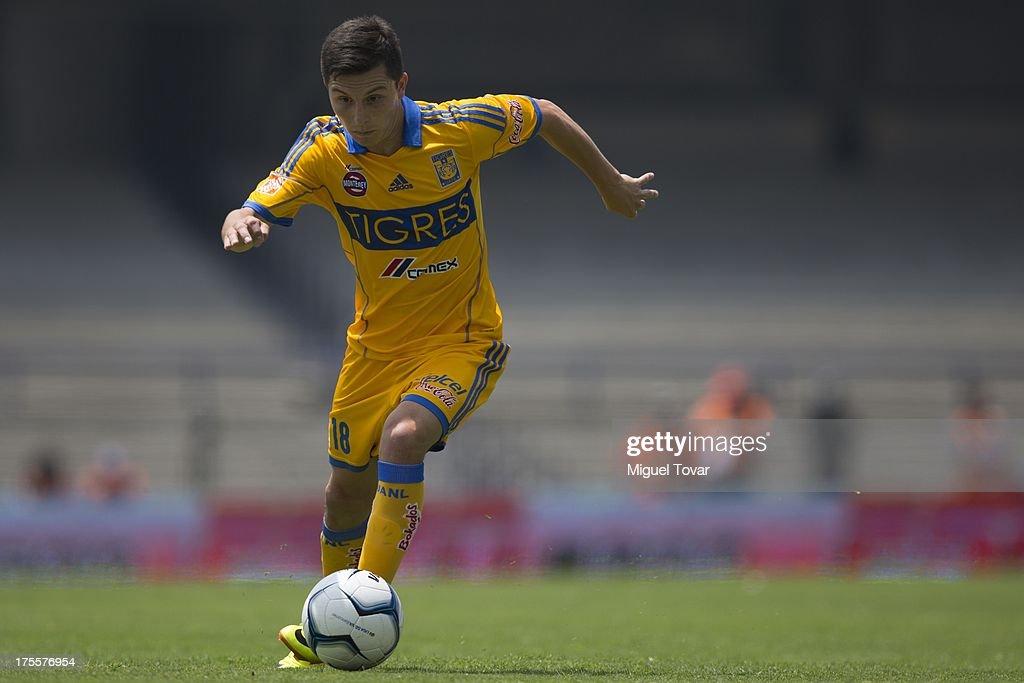 Pumas v Tigres - Apertura 2013 Liga MX
