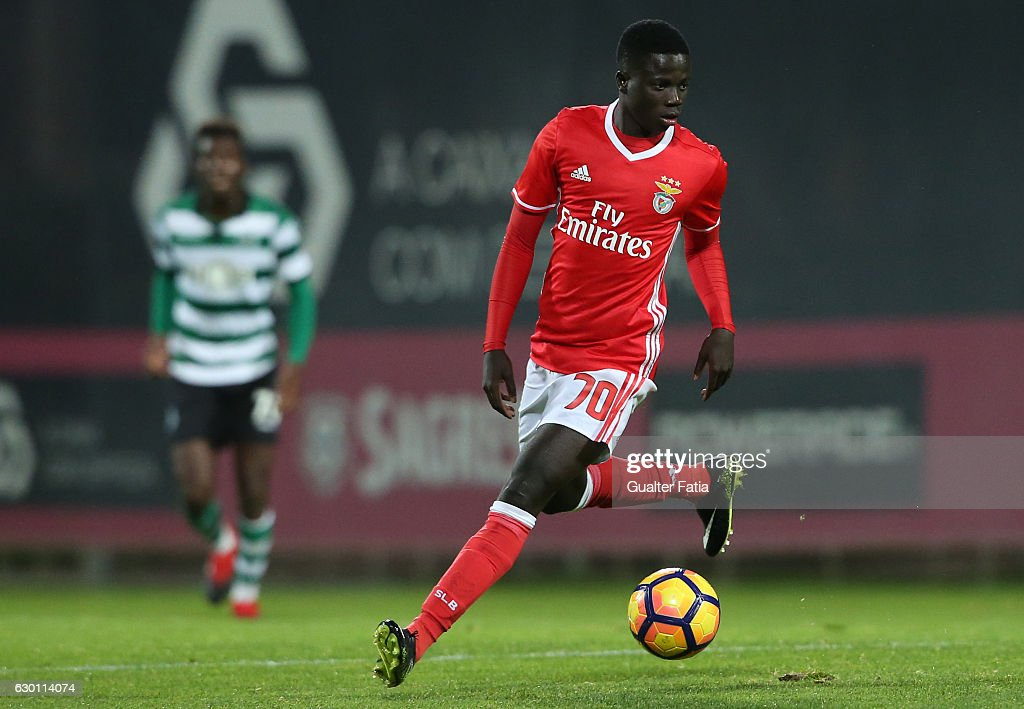 Jose Gomes of SL Benfica B in action during the Segunda Liga match between SL Benfica B and Sporting CP B at Caixa Futebol Campus on December 16, 2016 in Seixal, Portugal.