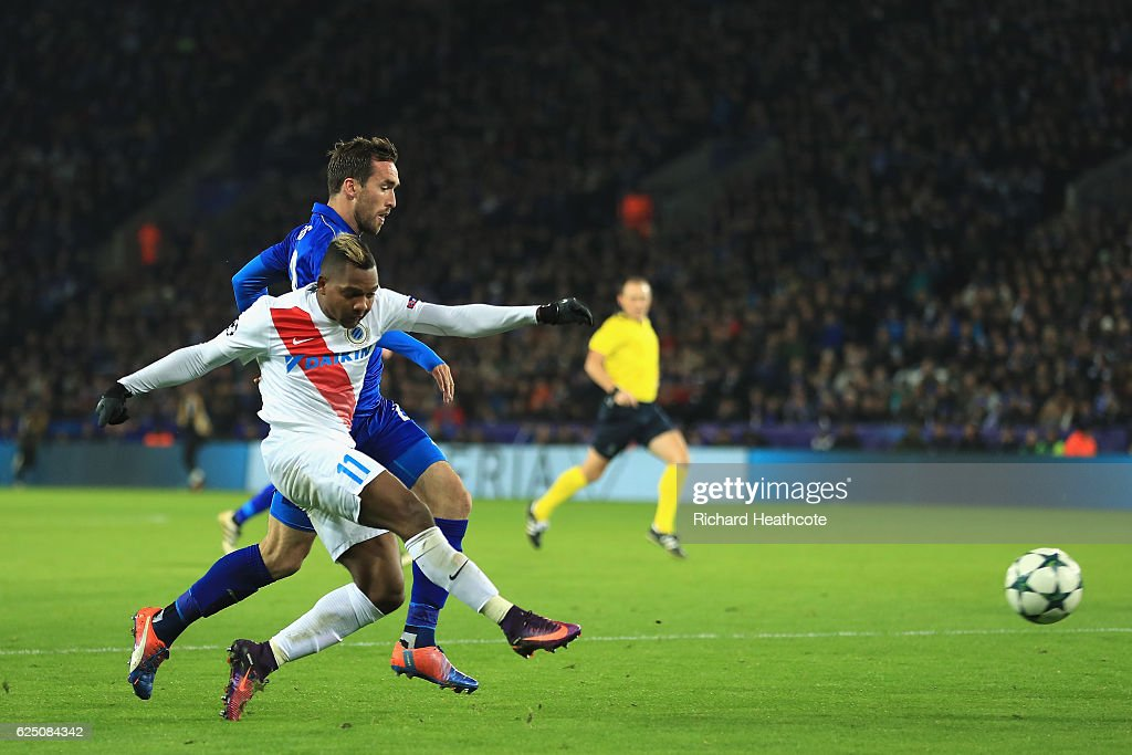 Jose Izquierdo of Club Brugge scores his sides first goal during the UEFA Champions League match between Leicester City FC and Club Brugge KV at The King Power Stadium on November 22, 2016 in Leicester, England.