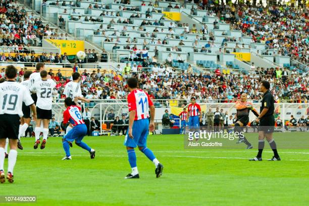 Jose Luis CHILAVERT coup franc during the FIFA World Cup match between Germany and Paraguay on June 15 2002 in Jeju Stadium South Korea