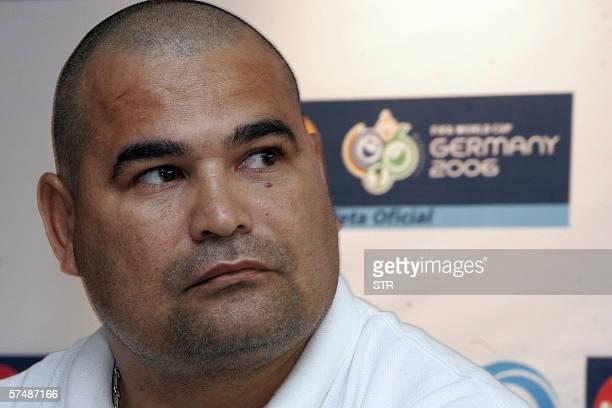 Jose Luis Chilavert ex portero de la seleccion de Paraguay da declaraciones a la prensa en Ciudad de Guatemala el 28 de Abril de 2006 Chilavert...