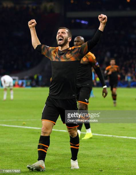 Jose Luis Gaya of Valencia celebrate victory during the UEFA Champions League group H match between AFC Ajax and Valencia CF at Amsterdam Arena on...
