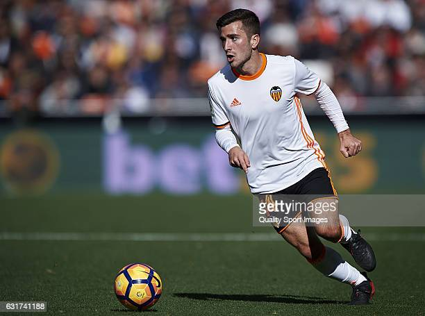 Jose Luis Gaya of Valencia in action during the La Liga match between Valencia CF and RCD Espanyol at Mestalla Stadium on January 15 2017 in Valencia...