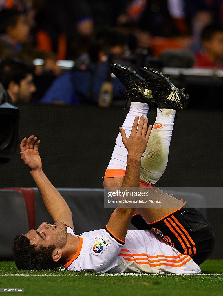 Valencia CF v Granada CF - La Liga